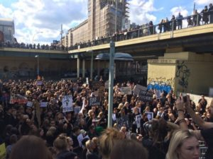 INTERVIEW – Poolse vrouwen staken tegen het verbod op abortus en voor het recht op vrije keuze !