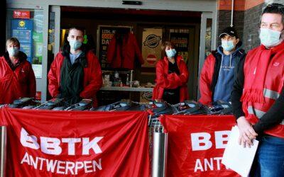 """[Staking 29/03] Piket bij Lidl: """"Hier heeft niemand 14 euro per uur"""""""