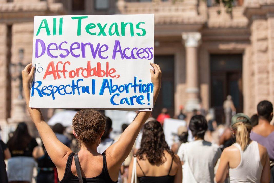 Nood aan een massabeweging om de abortusrechten te verdedigen